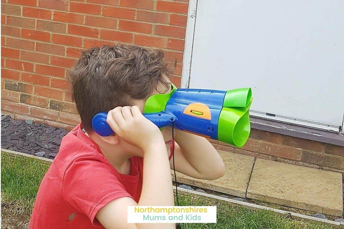 Kidnoculars are kids binoculars that also have headphones amplifying the surround sounds. They are focus free and have 3x magnification. For more toy reviews check out www.northamptonshiremumsandkids.co.uk