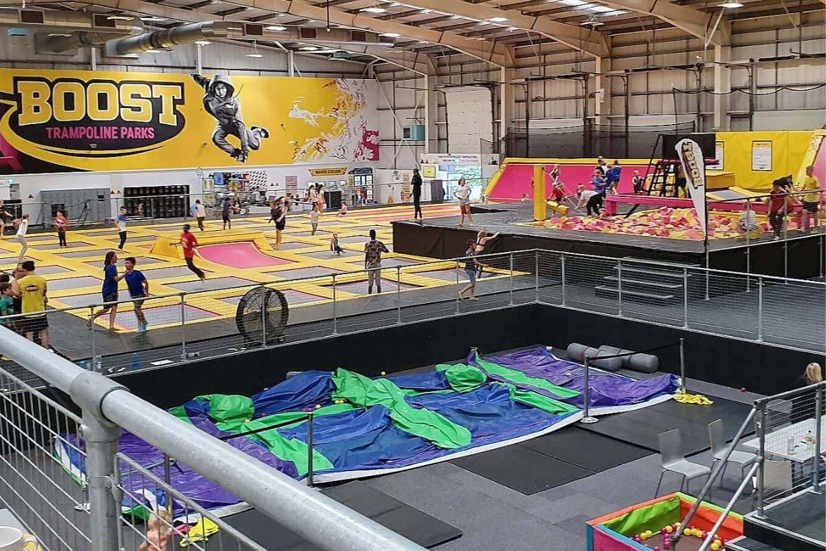 With many indoor play centres in Northamptonshire we can choose between trampolines, sensory, rock climbing, role play, space golf and laser.
