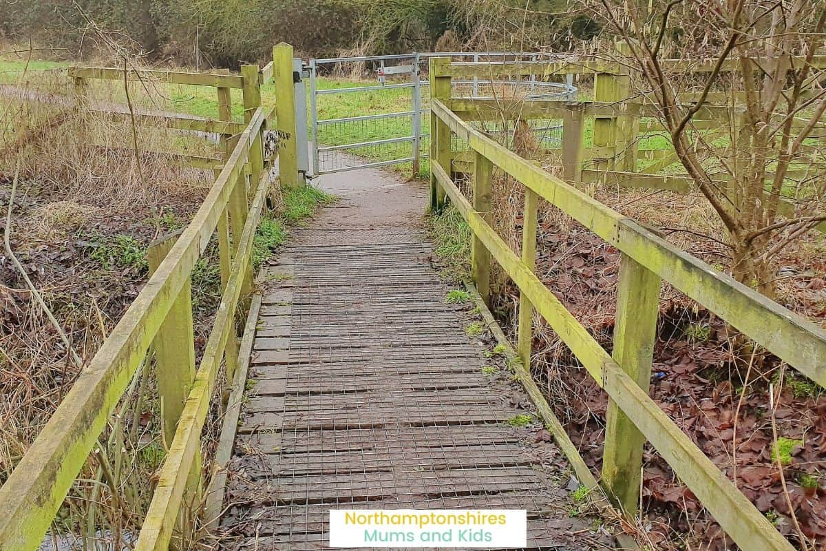 Summer Leys is a nature reserve located near Wollaston. There's 2 trails and it is pram friendly. There are animals and great views to see along the way. For more ideas of things to do in Northamptonshire visit www.northamptonshiremumsandkids.co.uk