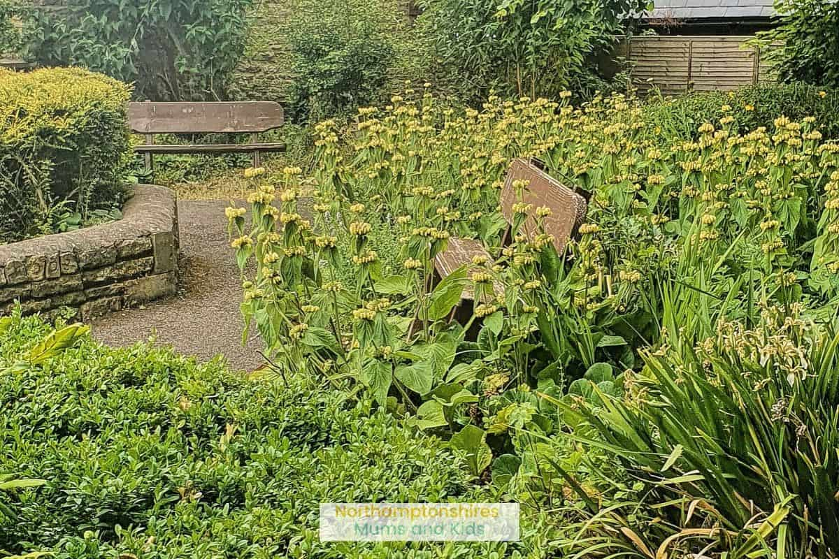 Wollaston Pocket park is a colourful garden of flowers with benches to sit and rest. For more cool places to visit around Northamptonshire visit www.northamptonshiremumsandkids.co.uk
