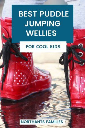 The best kids wellies for puddle jumping. Some are colour changing, some roll up for easy storage or are 3 wellies in 1!
